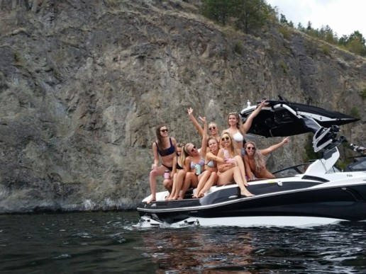 Off The Grid Wakesurf School - Wakesurf Boat Charters